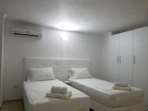 Luxury duplex Armand Durres, Apartmanok  Golem - big - 37