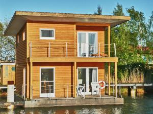 FLOATING HOUSES Classic _ _Schwimm - Barth