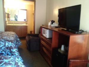 Victorian Inn, Motels  Cleveland - big - 4