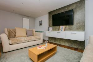 1 Bedroom Flat With Skylight In Angel - Islington