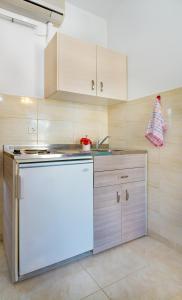 Salora Studio-Apartments, Apartmanok  Arhángelosz - big - 6