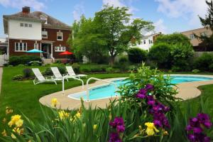 Olde Square Inn Bed and Breakfast - Accommodation - Mount Joy