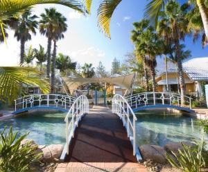 DB Broadbeach Private Apartments with Coastal Holiday Apts