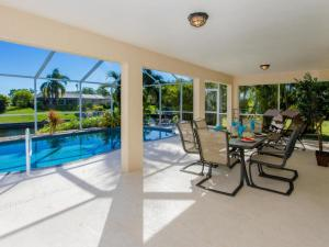 Italy, Villas  Cape Coral - big - 36