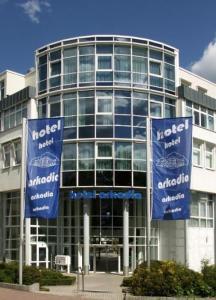 Hotel Arkadia, Aparthotels  Friedrichsdorf - big - 1