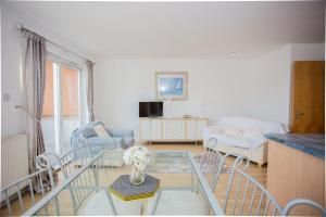 2 Bedroom Flat With Views of Arthurs Seat