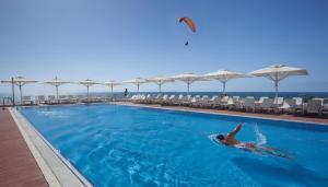 Island Luxurious Suites Hotel