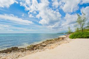 Moon Bay by Cayman Villas - Half Moon Bay