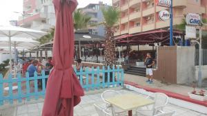 Casa vista a mare, Apartments  Durrës - big - 11