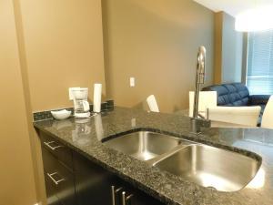 Regal Suites, Apartments  Calgary - big - 22