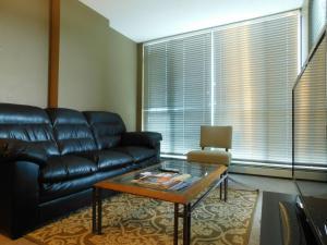 Regal Suites, Apartments  Calgary - big - 50