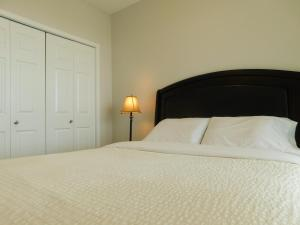 Regal Suites, Apartments  Calgary - big - 43