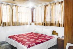 Guesthouse with parking in Dehradun, by GuestHouser 55377