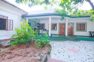 1 BR Boutique stay in Candolim - North Goa, by GuestHouser (ABD9)