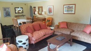 Lake Naverone Holiday Cottages, Resorts  Drakensberg Garden - big - 139