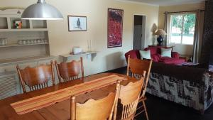 Lake Naverone Holiday Cottages, Resorts  Drakensberg Garden - big - 169