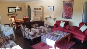 Lake Naverone Holiday Cottages, Resorts  Drakensberg Garden - big - 155