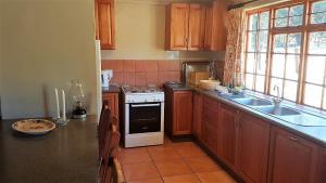 Lake Naverone Holiday Cottages, Resorts  Drakensberg Garden - big - 144