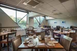Macdonald Elmers Court Hotel & Resort (11 of 30)