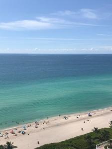 obrázek - La Perla Sunny Isles Beach 16699 Collins Ave