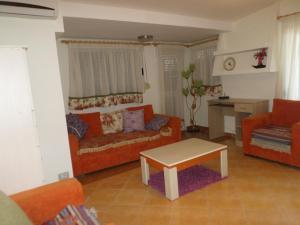Aldom Apartments