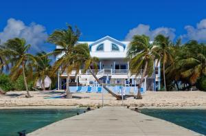. Sir Turtle Villa by Cayman Villas