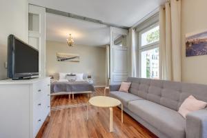 Lion Apartments Costa Brava Studio