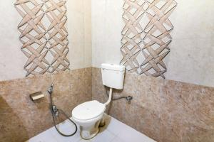 Room in a heritage stay near Jaisalmer Fort, Jaisalmer, by GuestHouser 10432, Holiday homes  Jaisalmer - big - 12