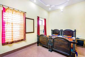 Room in a heritage stay near Jaisalmer Fort, Jaisalmer, by GuestHouser 10432, Holiday homes  Jaisalmer - big - 13