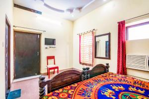 Room in a heritage stay near Jaisalmer Fort, Jaisalmer, by GuestHouser 10432, Holiday homes  Jaisalmer - big - 16