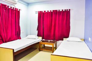 Apartment room in Salt Lake, Kolkata, by GuestHouser 13797, Апартаменты  Калькутта - big - 3
