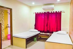 Apartment room in Salt Lake, Kolkata, by GuestHouser 13797, Apartmanok  Kalkutta - big - 5