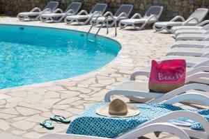 Location gîte, chambres d'hotes Bungalow Vacances - Riviera Vacances dans le département Var 83