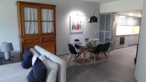 By the Beach, Apartmány  Almancil - big - 53