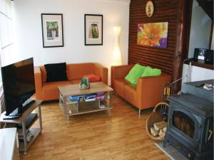 Three-Bedroom Holiday Home in Frankenau - Haina