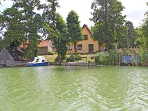 Ferienwohnung direkt am See Feldbe