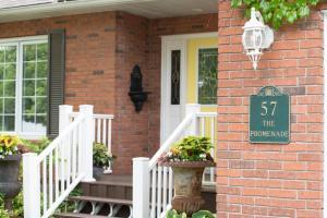 TwiningRetreat - Accommodation - Niagara on the Lake