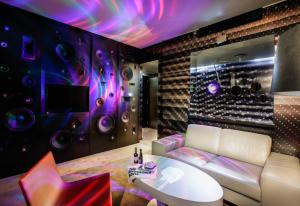obrázek - The Invisible Hotel - Media Art Room