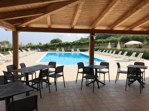 Borgo San Cosmo Tropea, Bed & Breakfasts  Brattirò - big - 57