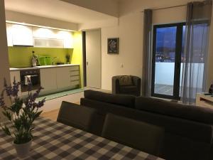 Apartamentos Solmar 15º, Apartments  Ponta Delgada - big - 5