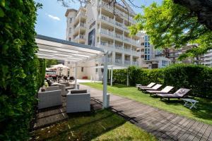 Le Rose Suite Hotel - AbcAlberghi.com
