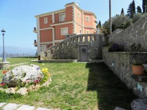 Villa Latina