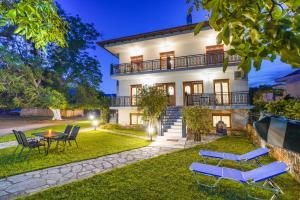 Villa Karydies