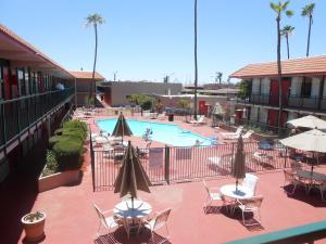Ramada by Wyndham Mesa-Mezona Hotel, Hotel  Mesa - big - 23