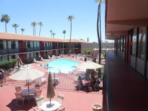 Ramada by Wyndham Mesa-Mezona Hotel, Hotel  Mesa - big - 25