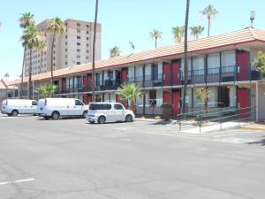 Ramada by Wyndham Mesa-Mezona Hotel, Hotel  Mesa - big - 13
