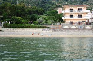 Acciaroli Beach House - AbcAlberghi.com
