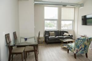 AK Lofts 2Bed 2Bath-Rooftop Beauty MCormick Place/Wintrust Arena - Accommodation - Chicago