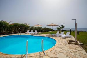 Villa Thalassa, Villen  Coral Bay - big - 9