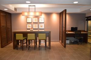 Country Inn & Suites by Radisson, La Crosse, WI, Hotels  La Crosse - big - 47